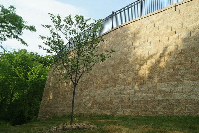 retaining wall, outdoor, athletics