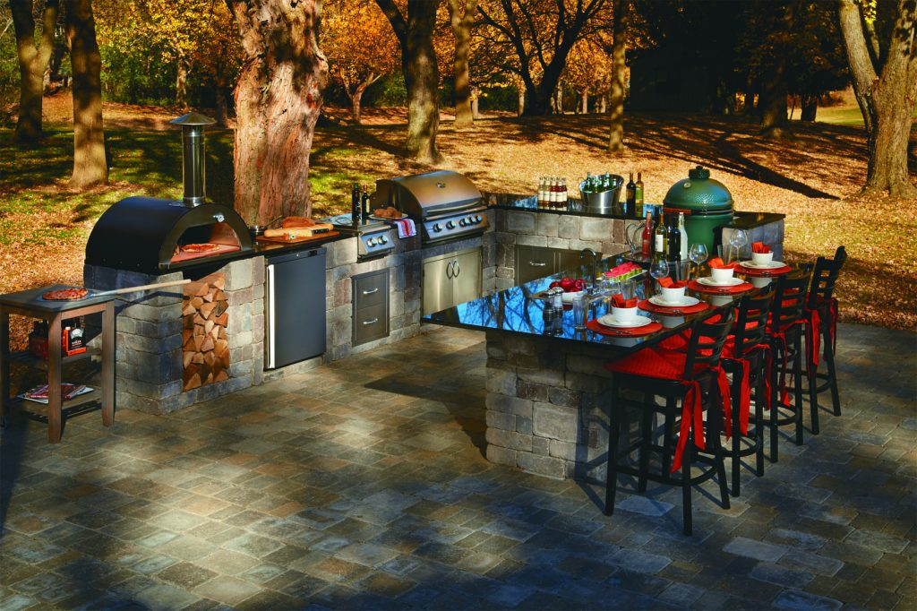 outdoor kitchen, SRW, outdoor dining, outdoor living