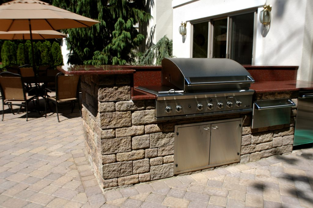 outdoor kitchen, outdoor living, outdoor dining, SRW